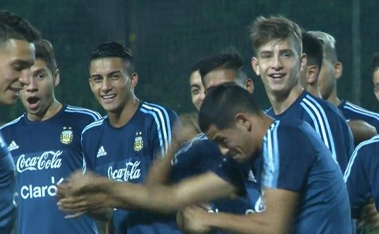 ĐT U20 Argentina tập buổi đầu tiên tại Hà Nội