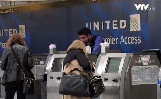 United Airlines xin lỗi vì để hành khách bay nhầm gần 5.000km
