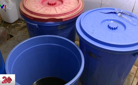 Hàng nghìn lít nước mắm bẩn vẫn có giấy an toàn thực phẩm