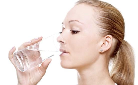 Cung cấp nước bao nhiêu thì đủ cho cơ thể?