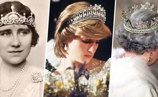 Những chiếc vương miện siêu đắt giá của hoàng gia Anh