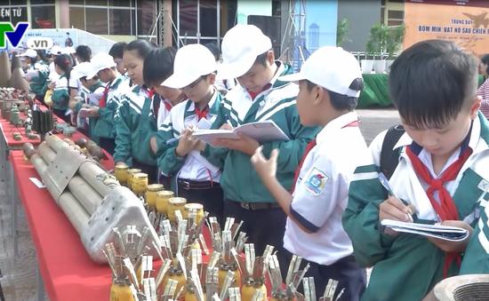 Tuyên truyền tác hại bom mìn sau chiến tranh tại Đắk Lắk