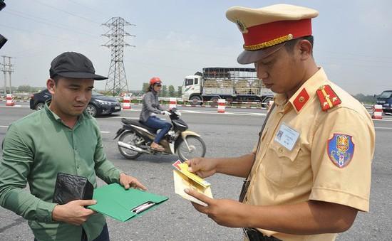 Người dân quan tâm tới đề xuất nâng mức phạt vi phạm giao thông
