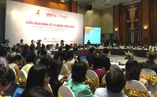Thủ tướng Nguyễn Xuân Phúc chủ trì Diễn đàn Kinh tế Tư nhân Việt Nam 2017