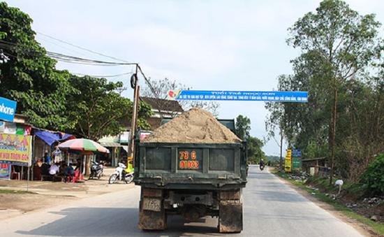 Mất ATGT do xe quá khổ quá tải tại Nghệ An