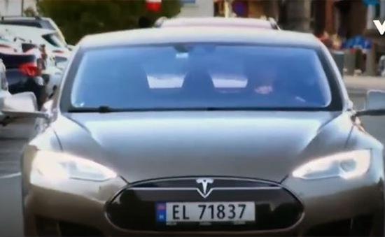 Khuyến khích sử dụng xe ô tô điện trên thế giới