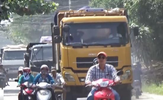 Người dân Bà Rịa lo nơm nớp đi chung đường với xe ben