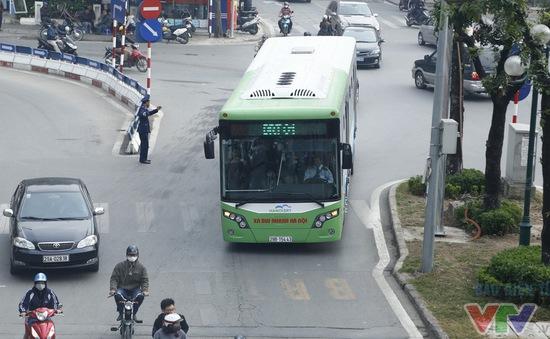 Tuyến bus nhanh BRT Hà Nội sau 8 tháng: Hiệu quả đến đâu?