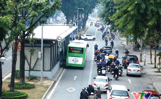 Hà Nội thí điểm dùng vé điện tử trên tuyến bus nhanh BRT