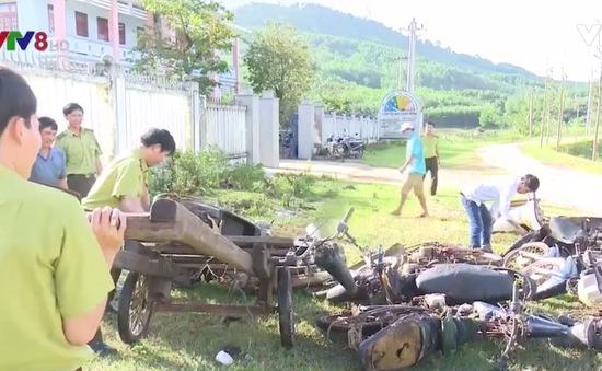 Bình Định: Tiêu hủy 32 xe máy độ chế chở gỗ lậu của lâm tặc