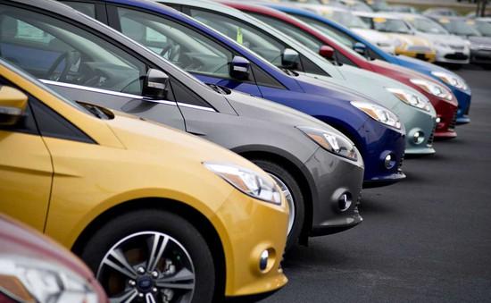 Giá ô tô tại Việt Nam cao gấp đôi khu vực