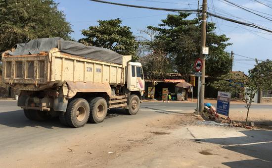 TP.HCM: Vì sao khó giải quyết xe tải nặng lưu thông vào đường cấm?