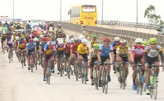 Điểm nhấn sau chặng 3 giải đua xe đạp về Trường Sơn 2017