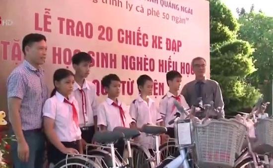 """Chương trình """"Ly cà phê 50 nghìn"""" tặng xe đạp cho học sinh nghèo"""