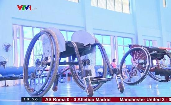 Chiếc xe lăn đặc biệt của VĐV cầu lông người khuyết tật