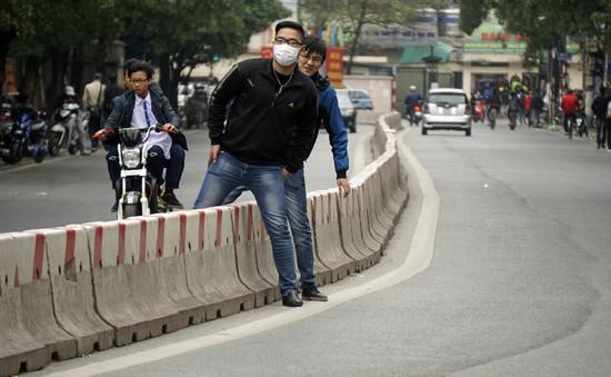 Xử phạt người đi bộ vi phạm giao thông còn nhiều bất cập