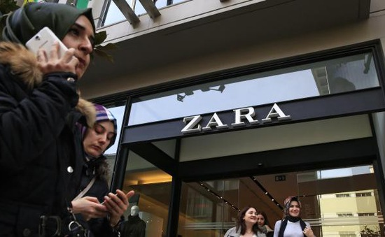 Tranh cãi xung quanh mô hình sản xuất thời trang nhanh