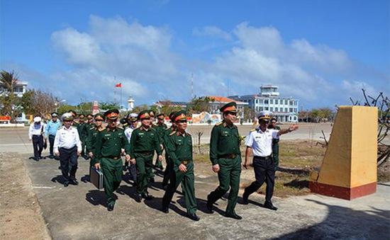 Bộ Quốc phòng kiểm tra, chúc Tết quân, dân đảo Trường Sa và Nhà giàn DK1