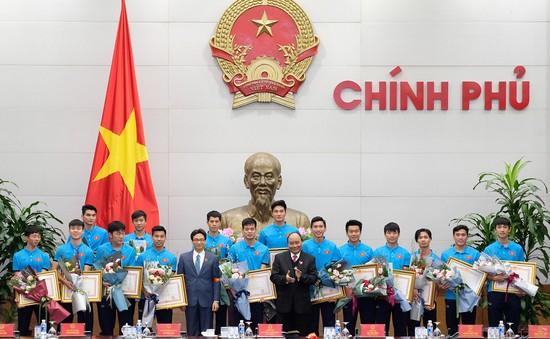 Thủ tướng Nguyễn Xuân Phúc trao Huân chương Lao động Hạng Nhất cho U23 Việt Nam