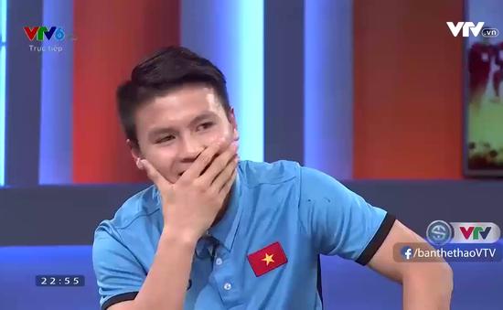 """Quang Hải mếu máo """"ghen tị"""" với đồng đội U23 Việt Nam vì... thường xuyên không được ăn mừng"""