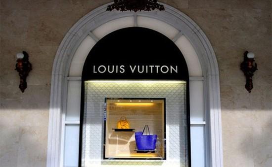 56% người Việt chi tiền mua hàng hiệu