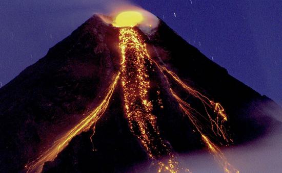 Diễn tập khẩn cấp gần nơi núi lửa phun trào tại Philippines