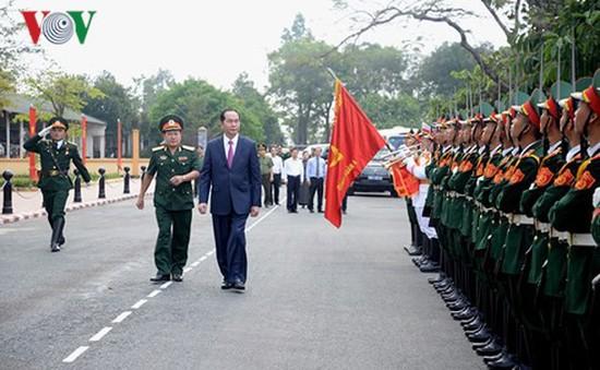Chủ tịch nước Trần Đại Quang thăm và làm việc với Quân đoàn 4