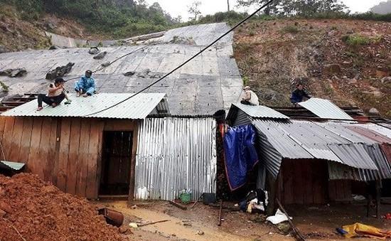 Quảng Nam khẩn trương xây mới, sửa chữa nhà cho người dân vùng thiên tai