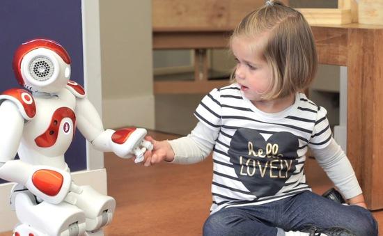 Robot trí tuệ nhân tạo dạy ngoại ngữ cho trẻ