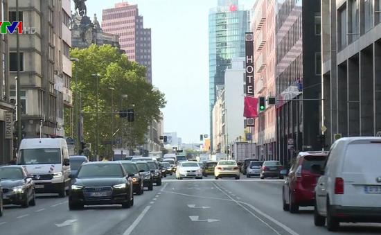 EU tranh cãi về giới hạn khí thải xe ô tô