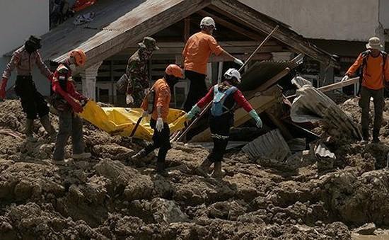 Indonesia kéo dài thời gian tìm kiếm nạn nhân động đất, sóng thần