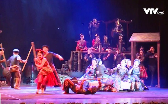 """Vở diễn """"Mỵ"""" lần đầu công diễn đã gây ấn tượng tốt với khán giả"""