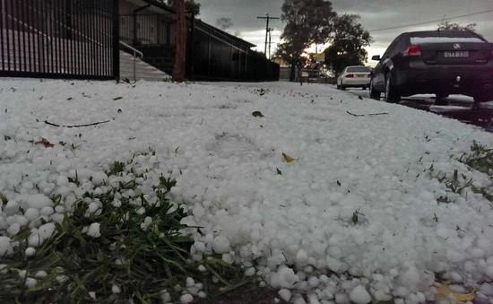 Mưa đá kinh hoàng tại Australia
