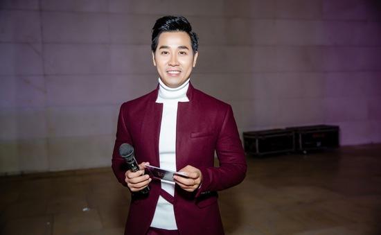 MC Nguyên Khang khác lạ xuất hiện tại sự kiện ra mắt thời trang Thu - Đông