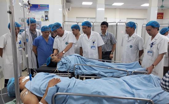 Báo động đỏ nội viện cấp cứu nạn nhân tai nạn đường sắt
