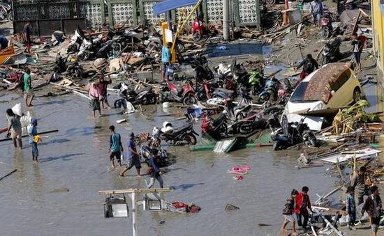 Nạn nhân do động đất, sóng thần ở Indonesia tiếp tục tăng