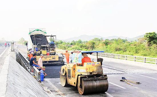 Khẩn trương khắc phục hư hỏng trên Quốc lộ 1 đoạn qua Khánh Hoà