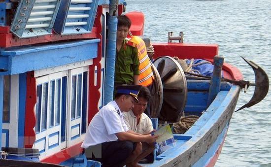 Bình Định: Chống khai thác thủy sản bất hợp pháp
