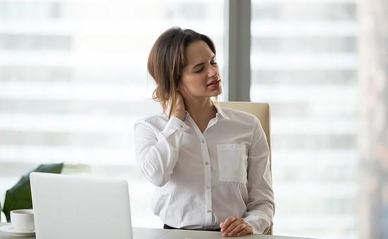 Cách tự kiểm tra nguyên nhân gây đau lưng