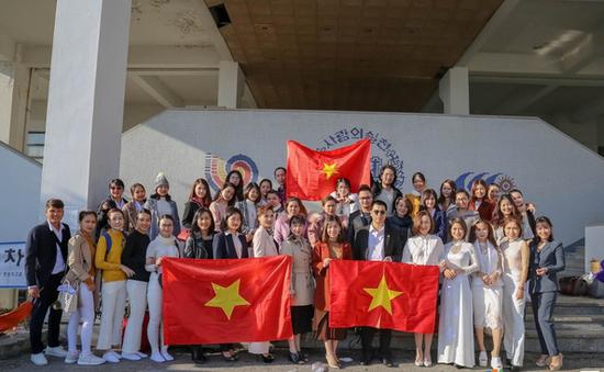 Việt Nam đạt ngôi Á quân cuộc thi Thẩm mỹ - Làm đẹp quốc tế 2018