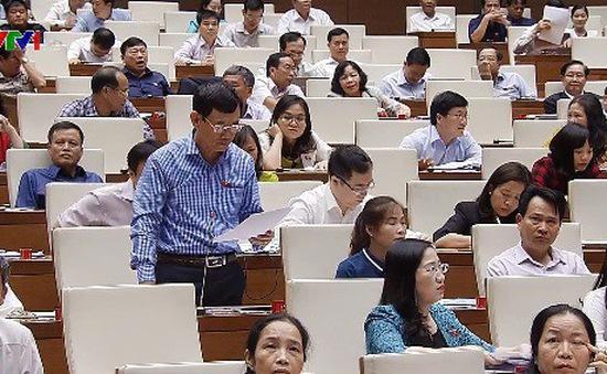 Quốc hội thảo luận Luật Phòng chống tham nhũng