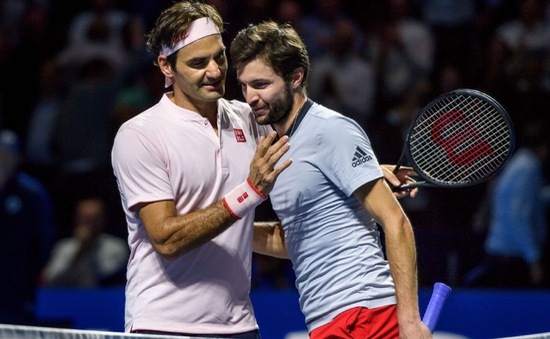 Vất vả giành chiến thắng trước Gilles Simon, Roger Federer vào bán kết Basel mở rộng 2018