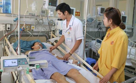 Báo động đỏ nội viện cứu bệnh nhân sốc đa chấn thương nguy kịch