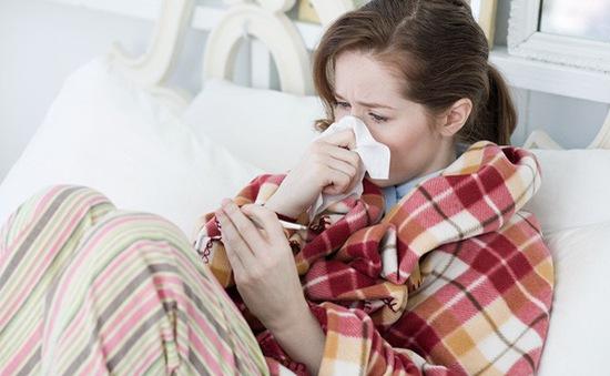 Dị ứng thời tiết và cảm lạnh thông thường khác nhau thế nào?