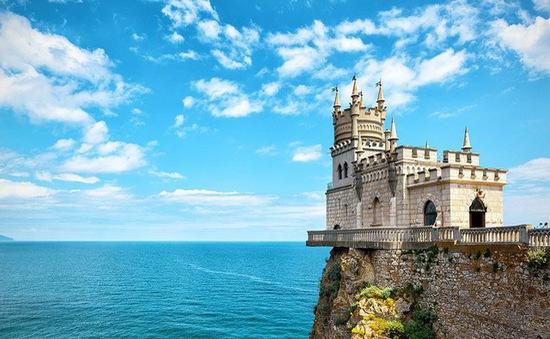 Những kiến trúc trên vách đá nổi tiếng thế giới