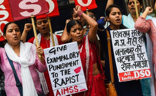 Ấn Độ: Hàng chục nữ sinh bị đánh đập tại trường vì phản đối quấy rối tình dục