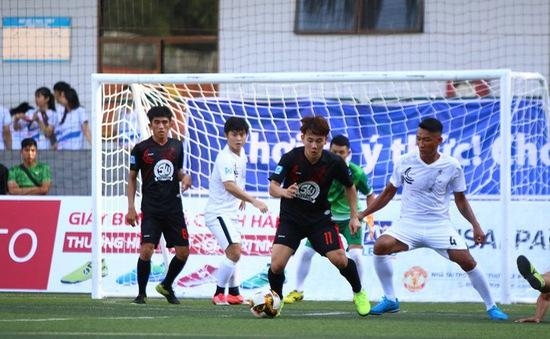 Minh Vương trổ tài sút phạt điệu nghệ tại giải bóng đá phủi