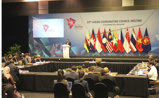 Phó Thủ tướng Phạm Bình Minh dự Hội nghị APSC và ACC tại Singapore