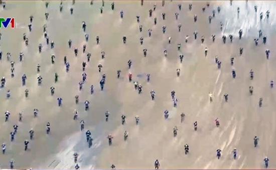 Thú vị giải đua motor trên bãi biển tại Hà Lan