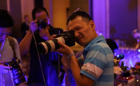 Trải nghiệm máy ảnh không gương lật full frame EOS R